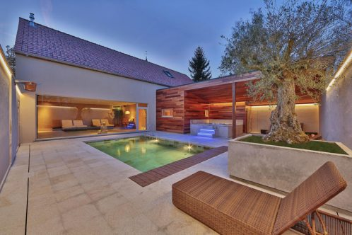 villa_prestige_pool